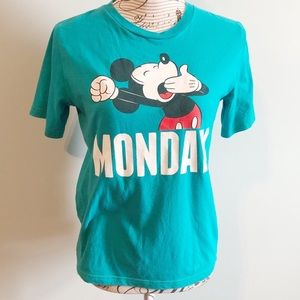 Disney Mickey Mouse Monday T-shirt Size Large